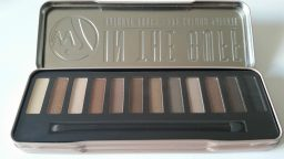 W7 IN THE BUFF NATURAL NUDES EYE COLOUR PALETTE - 12 SHADE EYESHADOW