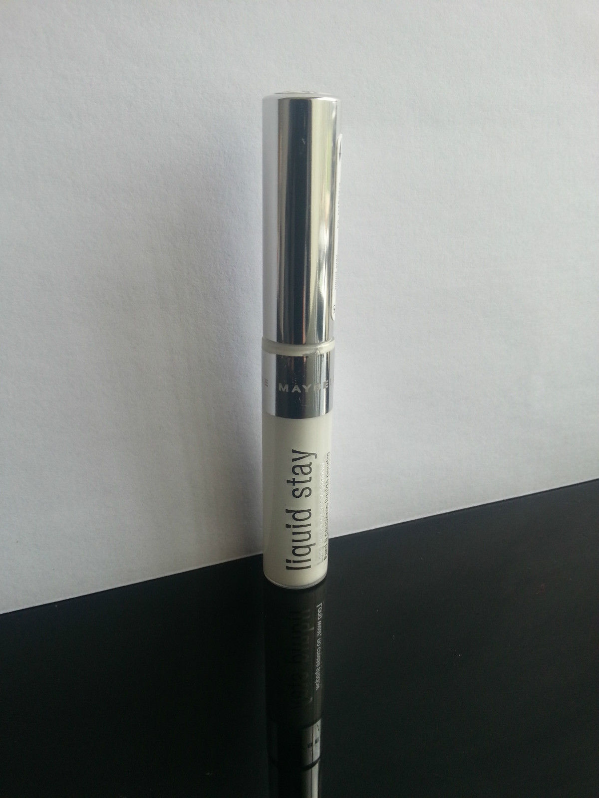 MAYBELLINE LIQUID STAY EYE SHADOW - #10 Forever Frost